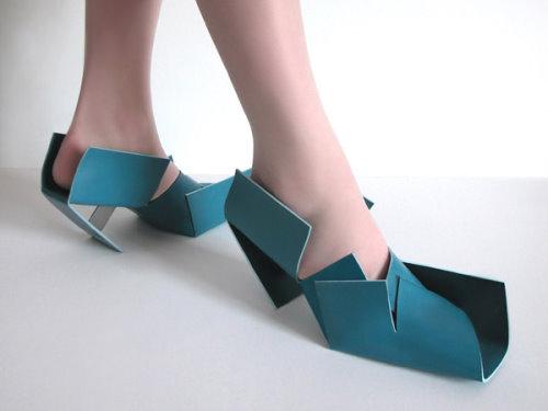 暇を持て余した神々の遊びの靴