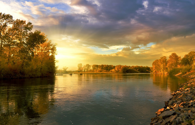 秋こそが始まりの季節、春だ。